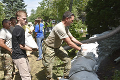 Wisconsin National Guard (The National Guard) Tags: wing wisconsinnationalguard nationalguard wisguard wisconsin wi sandbag sand bags retaining wall residence residents assisting responding community flooding floods state active duty ng national guard guardsman guardsmen soldier soldiers us army united states america usa military troops 2018