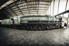 ... Trainspotting ... (Lanpernas .) Tags: tren ferrocarril friki museo locomotora vapor delicias spain madrid peleng ojodepez fisheye trainspotting