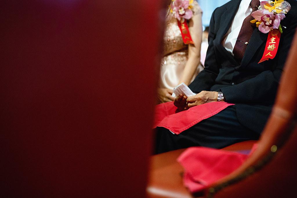 """""""婚攝,婚禮攝影,婚禮紀錄,婚禮拍攝,女攝影師,推薦,自然風格,長春素食,雙子小姐"""""""