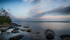 El Atardecer (candi...) Tags: atardecer riumar cielo nubes agua deltadelebro nat sonya77 airelibre arboles piedras hierba