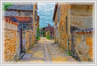 Les rues de Saint-Jean-de-Cole - Le tuyau brisé