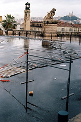 la pluie avant de partir (asketoner) Tags: rain wet railway station train lions statues ground fall view panoramic stairs marseille france stcharles