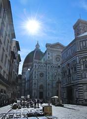 Il Duomo (Tripl3 D) Tags: ilduomo dome firenze florence zon sun sunlight zonlicht ochtend morgen morning sunflair flair stad city gebouw building mensen people terras terrace lucht sky canon canoneos650d eos 650d