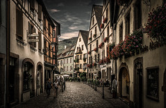Kaysersberg 2018 (EBoss Fotografie) Tags: kaysersberg alsace france sky street dark depth city town canon soe twop house clouds architecture art old travel supershot goldcollection