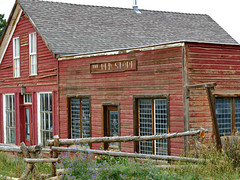 The Red Store (Colorado Sands on autumn break) Tags: building architecture store redstore goldhill colorado usa sandraleidholdt fence hff window miningtown woodfence weathered