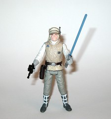 luke skywalker from wampa and luke skywalker hoth star wars the last jedi red and white card creature and basic action figure force link 2017 hasbro i (tjparkside) Tags: luke skywalker from wampa hoth star wars last jedi red white card creature basic action figure force link 2017 hasbro 2018 figures snow ice planet episode v five 5 tesb esb empire strikes back cave 20 green razor sharp fangs claws fur tauntaun taun tauns lightsaber blaster pistol holster headgear jacket 5poa