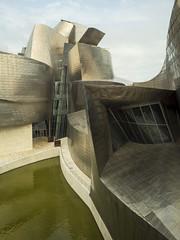 Bilbao - Guggenheim 2 (puss_in_boots) Tags: bilbao basque spain guggenheim museum architecture frank gehry