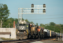 Norfolk Southern's 17N at CP379/Kendallville IN on the NS Chicago Line being led by SD-70 2527 (mp 126) Tags: emd sd70 ns cp379 kendallville indiana chicago line