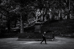 Gaußbergpark (michael_hamburg69) Tags: braunschweig germany deutschland brunswick niedersachsen gausbergpark park sculpture skulptur gaus johanncarlfriedrichgaus mathematiker astronom physiker
