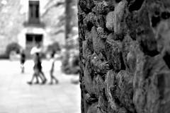 (jaume zamorano) Tags: blackandwhite blancoynegro blackwhite blackandwhitephotography blackandwhitephoto bw catalunya costabrava d5500 dof monochrome monocromo nikon noiretblanc nikonistas pov peratallada street streetphotography streetphoto streetphotoblackandwhite streetphotograph urban urbana wall