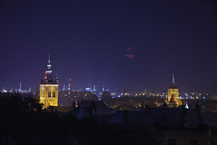 Bloodmoon (Kjeldvdh) Tags: gdansk poland moon mood blood full clouds colour color contrast tower night building architecture composition blue sky dark glow city large zoom stad stadt blauw nacht donker polen europa europe toren