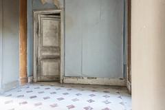 Mauro Amoroso © (Mauro_Amoroso) Tags: urbex abandoned mauroamorosoadventures dusty dustysecrets piano stairs natgeo natgeotravel nationalgeographic nikon nikonitalia nital space chateau