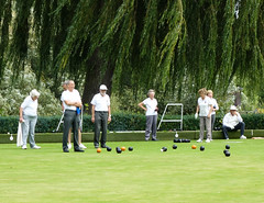 Green Bowling, Radnor Gardens, Strawberry Hill (London Less Travelled) Tags: uk unitedkingdom britain london city urban twickenham richmond green garden park bowls bowling people elderly sport