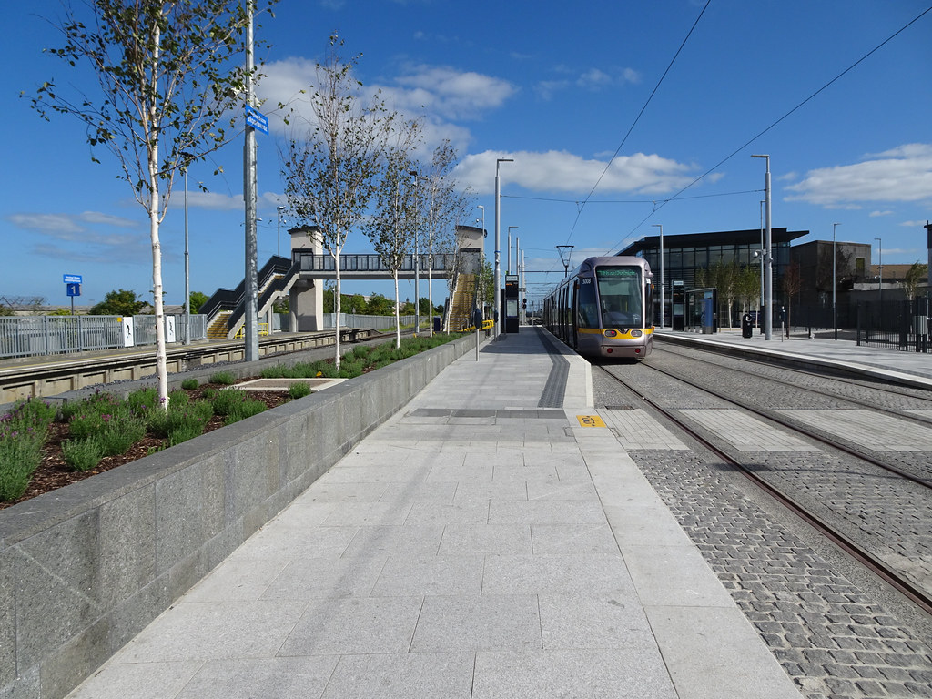 AT LONG LAST THEY HAVE INTEGRATED BROOMBRIDGE TRAM STOP WITH THE TRAIN STATION [PHOTO DIARY 3 SEPTEMBER 2018]-143856