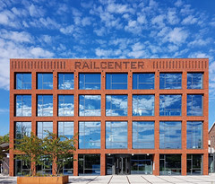 Railcenter (Cor Oosterbeek) Tags: amersfoort buesky blue blauwelucht nederland thenetherlands clouds wolken wagenwerkplaats
