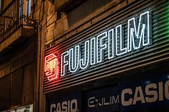 Vintage Neon (graufuchs) Tags: europe europa portugal lisbon lisboa lissabon fuji fujifilm fujifilmxh1 fujinon xh1 zoom zoomlens vintage neon sign darknett light dark night