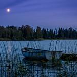 A watery moon over lake Rasjön thumbnail