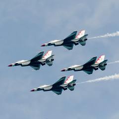 Formation (Josh Thompson) Tags: 70300mmf4556gvr f16 airforcethunderbirds chicagoairandwatershow d7000 lightroom5