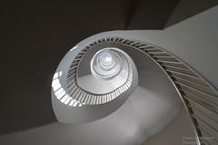 Stairwell (Frank Guschmann) Tags: treppe treppenhaus staircase stairwell escaliers stairs stufen steps architektur frankguschmann nikond500 d500 nikon