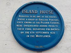 UK - Devon - Plymouth - Barbican - Island House - Plaque commemorating the Mayflower (JulesFoto) Tags: uk england clog centrallondonoutdoorgroup devon plymouth plaque mayflower islandhouse sign