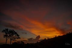 Sunset - between Guapé/MG and Capitólio/MG #2 (Enio Godoy - www.picturecumlux.com.br) Tags: sunshine silhoeutte nikon d300s travel niksoftware journey landscape capitóliomg guapémg sunset nikond300s viveza223342724713 vacations sky clouds