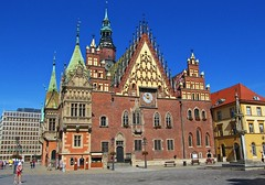the Town Hall :) (green_lover (I wait for your COMMENTS!)) Tags: wrocław poland townhall architecture buildings history oldtown city redbrick cloudless