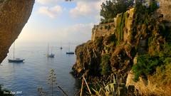 Porto sottomonastero #2 (FIORE Luigi) Tags: isoleeolie isola lipari messina sicilia italia suditalia mare sea nuvole albero costa mediterraneo barche agave