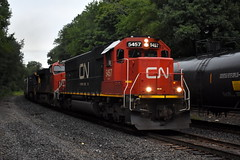 Uphill Battle (Robby Gragg) Tags: cn sd60 5457 joliet