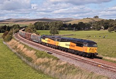 56090 56113 (Paul268868) Tags: 56090 56113 6j37 carlisleyard chirkkronospan hellifield northyorkshire england unitedkingdom greatbritain colasrailfreight grid planetearth theworld loaded timber logs wagon britishfreighttrains europe transport outdoors outside vehicle sun sky cloud digital camera photo picture engine old loco canon nikon sony track yorkshiredalesnationalpark art day summer august 2018 paulmanley color colour grass field landscape light orange yellow black green blue signal tree hill