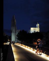 In love... (Felip Prats) Tags: girona nocturna bluehour horaazul horablava catalunya catedral cathedral love selfie