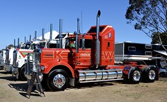 Hicks (quarterdeck888) Tags: trucks photos truckphotos australiantrucks outbacktrucks workingtrucks primemover class8 overtheroad interstate frosty quarterdeck jerilderietrucks jerilderietruckphotos flickr bdoubles lorry bigrig highwaytrucks interstatetrucks nikon truck kenworth kenworthclassic kk kenworthclassic2018 truckshow truckdisplay workingclasstrucks noprizes hicks wmodel