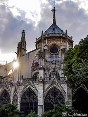 180718-133 Notre-Dame (clamato39) Tags: cathédralenotredamedeparis église church religieux religion paris france europe ciel sky clouds nuages sun soleil voyage trip