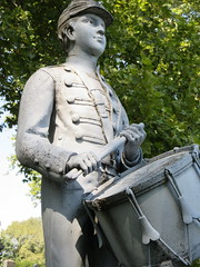Zinc Union Army Drummer Boy Clarence Mackenzie 0997 (Brechtbug) Tags: pale blue zinc union army drummer boy statue clarence mackenzie 1848 1861 buried 1862 first brooklyn native die during civil war 12 year old for brooklyns thirteenth regiment killed by friendly fire while stationed annapolis maryland greenwood cemetery new york city 2018 nyc september 09162018