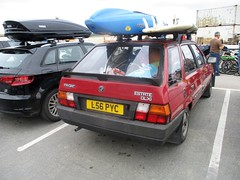 1994 Skoda Favorit GLXi Estate (occama) Tags: l56pyc 1994skoda favorit glxi estate red old car cornwall uk holiday luggage canoe surf board