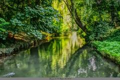 La rivière La Dives Chateau de Vendeuvre (Barnie76@ ,) Tags: rivière château chateaudevendeuvre effets couleurs reflets calvados normandie
