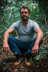 Le Compatriote. (theodirector) Tags: relax relaxtime zen cool man oldman forest woods manofthewoods wood inthewoods nature naturelover naturelovers manvsnature portrait portraitphotography sit sitting break breaktime bokeh leaves leaf plant trees tree waiting autumn beard bearded glasses staycool stayzen zenitude calm keepcalm quiet essone cheptainville