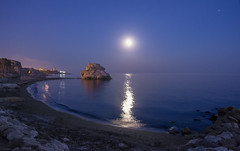 To the moon and back? (1946pixels) Tags: málaga beach nikon nature nikond3100 andalucía europe españa spain sky night moon sea longexposure landscape longexpo