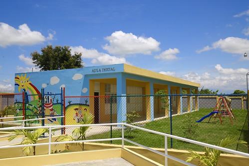 Danilo Medina entrega escuela en Guanito, Elías Piña; 19 aulas en beneficio 630 estudiantes