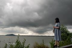 Đợi bão về.... (n_dangthuy) Tags: waiting storm gloomy sea cloud greaycloud nikond90 nikkor1835