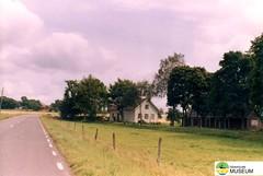 tm_5364 (Tidaholms Museum) Tags: färgat positiv landsväg bostadshus exteriör