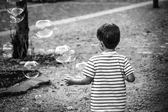 Bubbles (marinas8) Tags: nikon nikonphotography d5300 blackandwhite bw streetphotography streetphoto bubbles photography