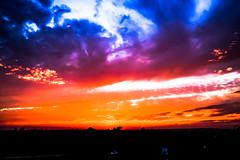 Atardecer (ameliapardo) Tags: atardecer nubes cielo azul blanco rojo sol fujixt1