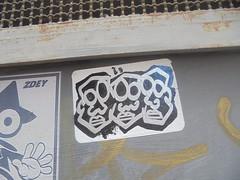 1006 (en-ri) Tags: adesivo sticker argento nero teste heads firenze wall muro graffiti writing