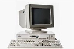 IBM PS/2 Model 30-286, 1989, Photo by @luisacivardi @verdebinario #IBM #PS2 #OS2 #computer #retrocomputing #retrocomputer #dos #computer #circuit #maker #laboratory #programmable #tech #tecnology #projects #vintagecomputer #broadcasting #oldhardware #inst (Museo dell'Informatica Funzionante) Tags: musif miai freaknet dyneorg trasformatorio