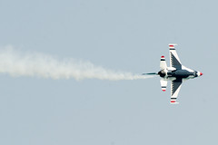 Trail (Josh Thompson) Tags: 70300mmf4556gvr f16 airforcethunderbirds chicagoairandwatershow d7000 lightroom5