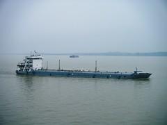 Oil Barge (hugh llewelyn) Tags: yangtzeriver
