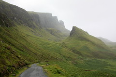 Isle of Skye: Der Quiraing, Blick in Richtung Norden auf The Prison (Mitte) und den Meall na Suiramach (links) (Helgoland01) Tags: scotland schottland uk skye westernisles innerhebrides rock felsen landschaft landscape