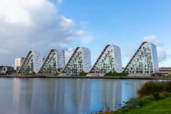 wavers II (Rasande Tyskar) Tags: bølgen the wave vejle denmark dk dänemark gebäude architektur architecture futuristisch welle waver building futuristic reflections water wasser reflektionen spiegelung