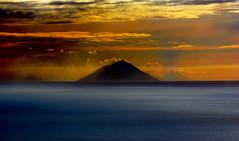 volcanoes (gianclaudio.curia) Tags: mare vulcani eolie isole nikon d5200 tamron70300 stromboli innamoramento