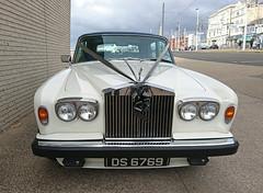 1975 Rolls Royce Silver Wraith 111 (crusaderstgeorge) Tags: crusaderstgeorge cars classiccars whitecars 1975rollsroycesilverwraith111 1975 rolls royce silverwraith111 rollsroyce englishcars blackbraids blackpool england